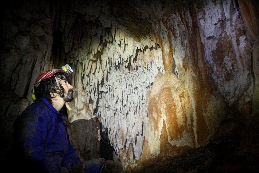 Una de las salas más bonitas de la Cueva del Guadalora