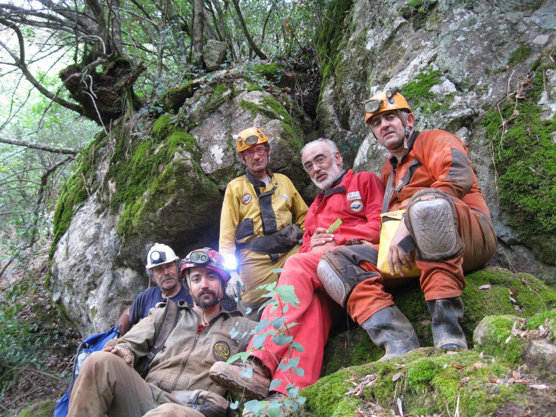 Curro Mesa y miembros del G40 antes de iniciar la primera jornada de topografía