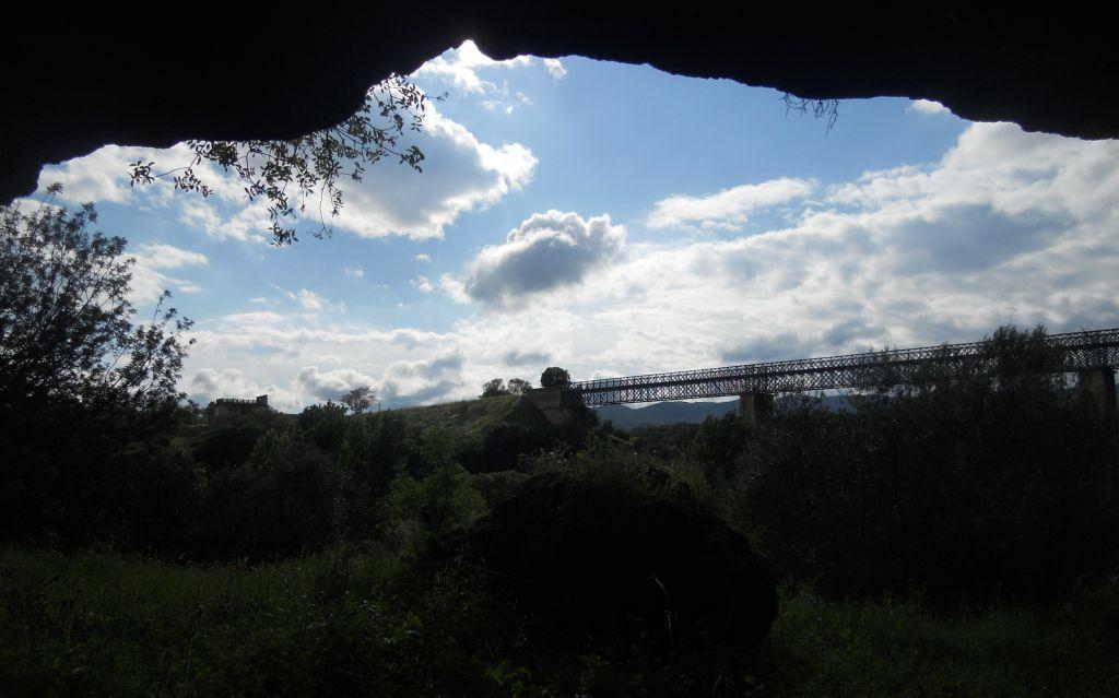 nforme de Cuevas en el entorno del arroyo Pedroche