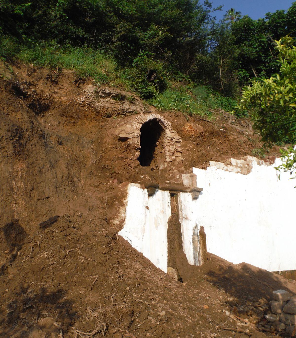 Entrada descubierta en el Pilar de Las Herrerías
