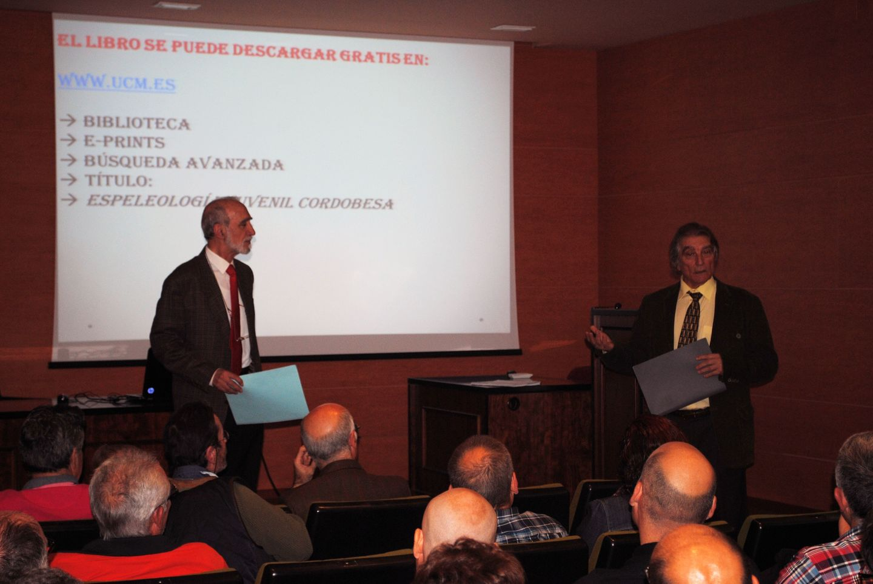 Medio centenar de asistentes a la presentación del libro de la historia del GEJAM
